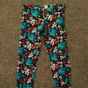 Mudd Flower super soft pattern leggings - Size M